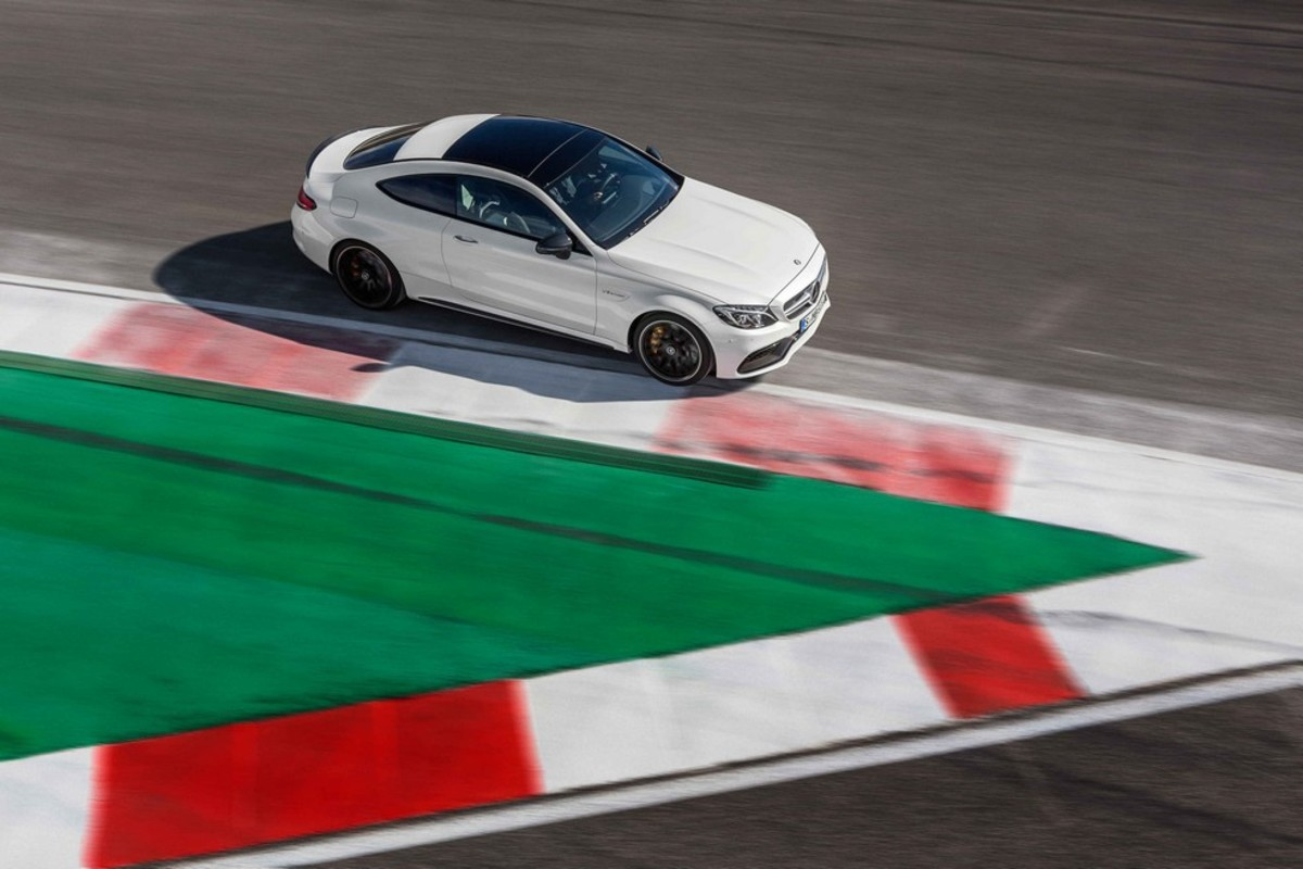 introducing-the-2017-mercedes-benz-c63-amg-coupe-04