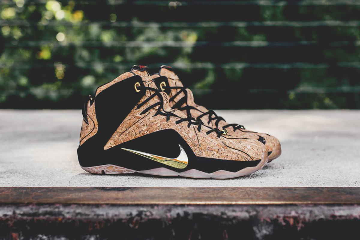 nike-lebron-12-ext-kings-cork-00