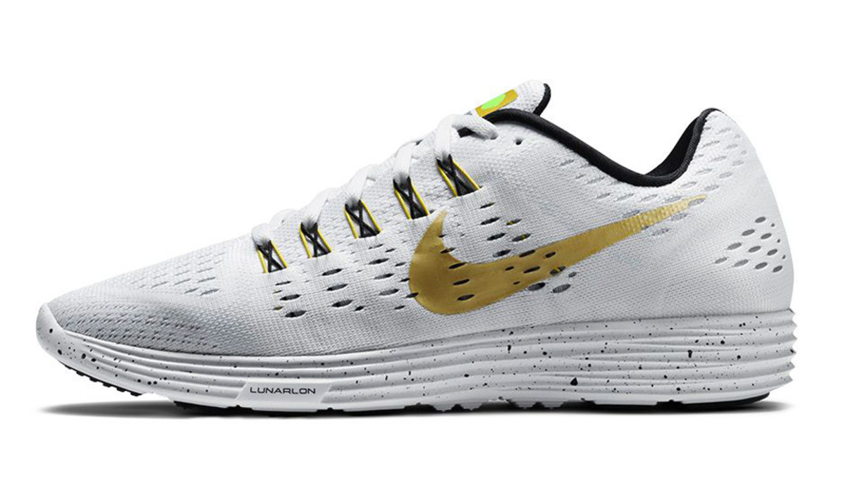 nike-running-modern-gold-rush-pack-05