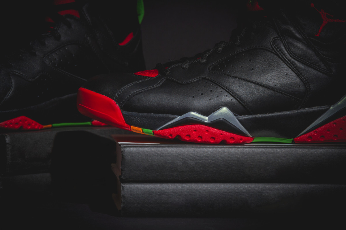 air-jordan-7-retro-marvin-the-martian-01