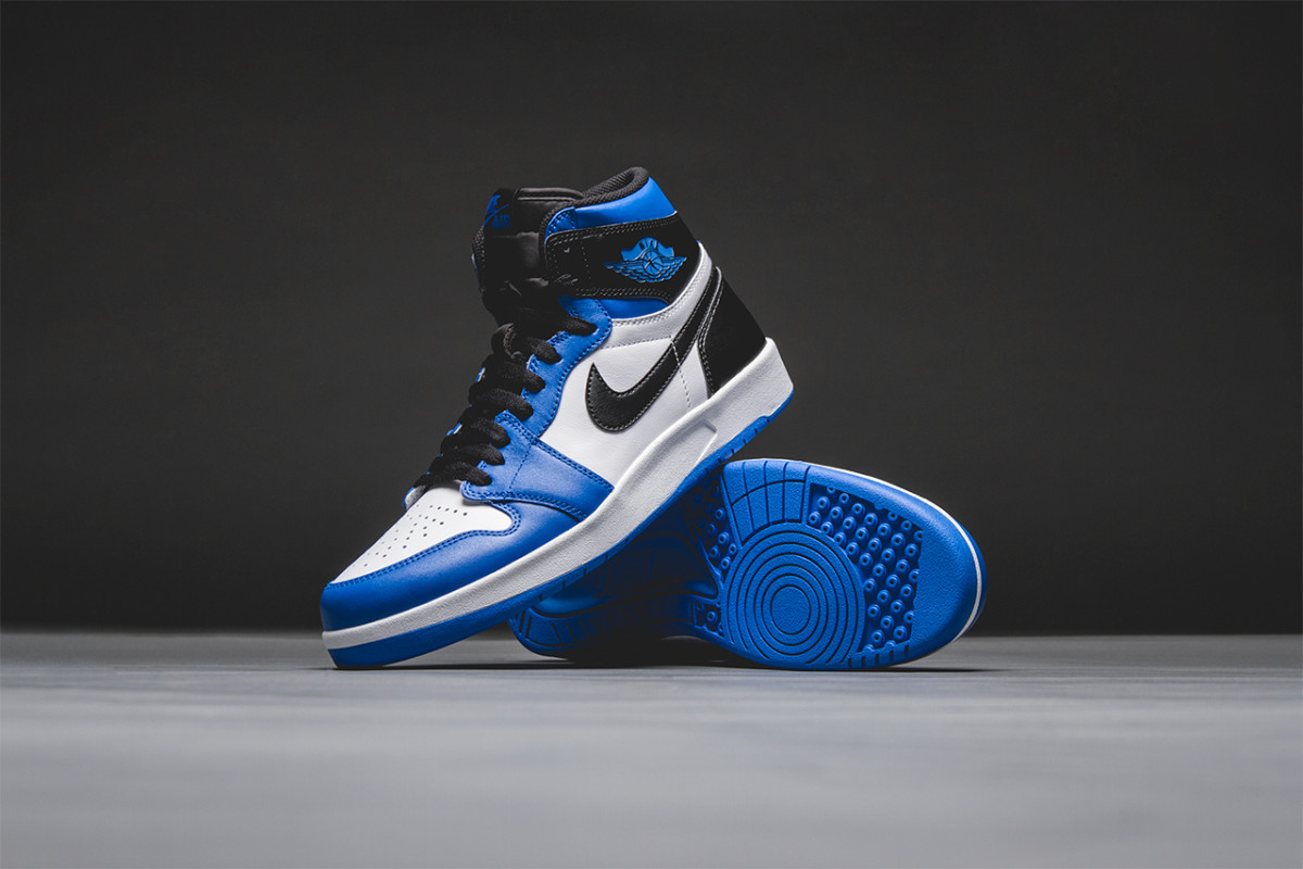 air-jordan-1.5-high-the-return-soar-01