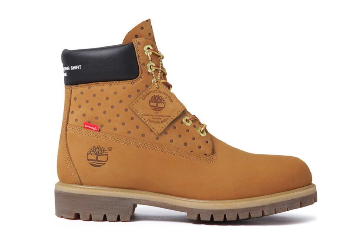 comme-des-garcons-x-supreme-x-timberland-6-inch-boot-1