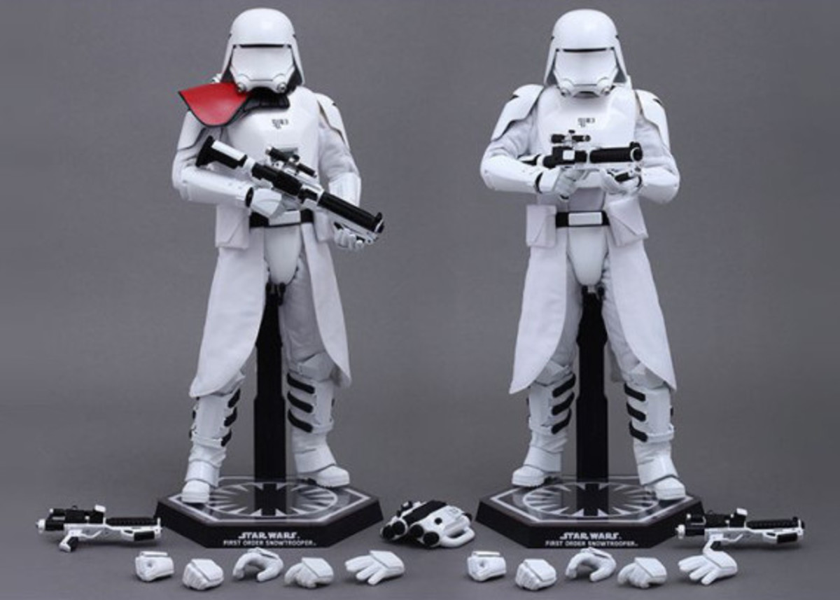 hot-toys-first-order-snowtroopers-01
