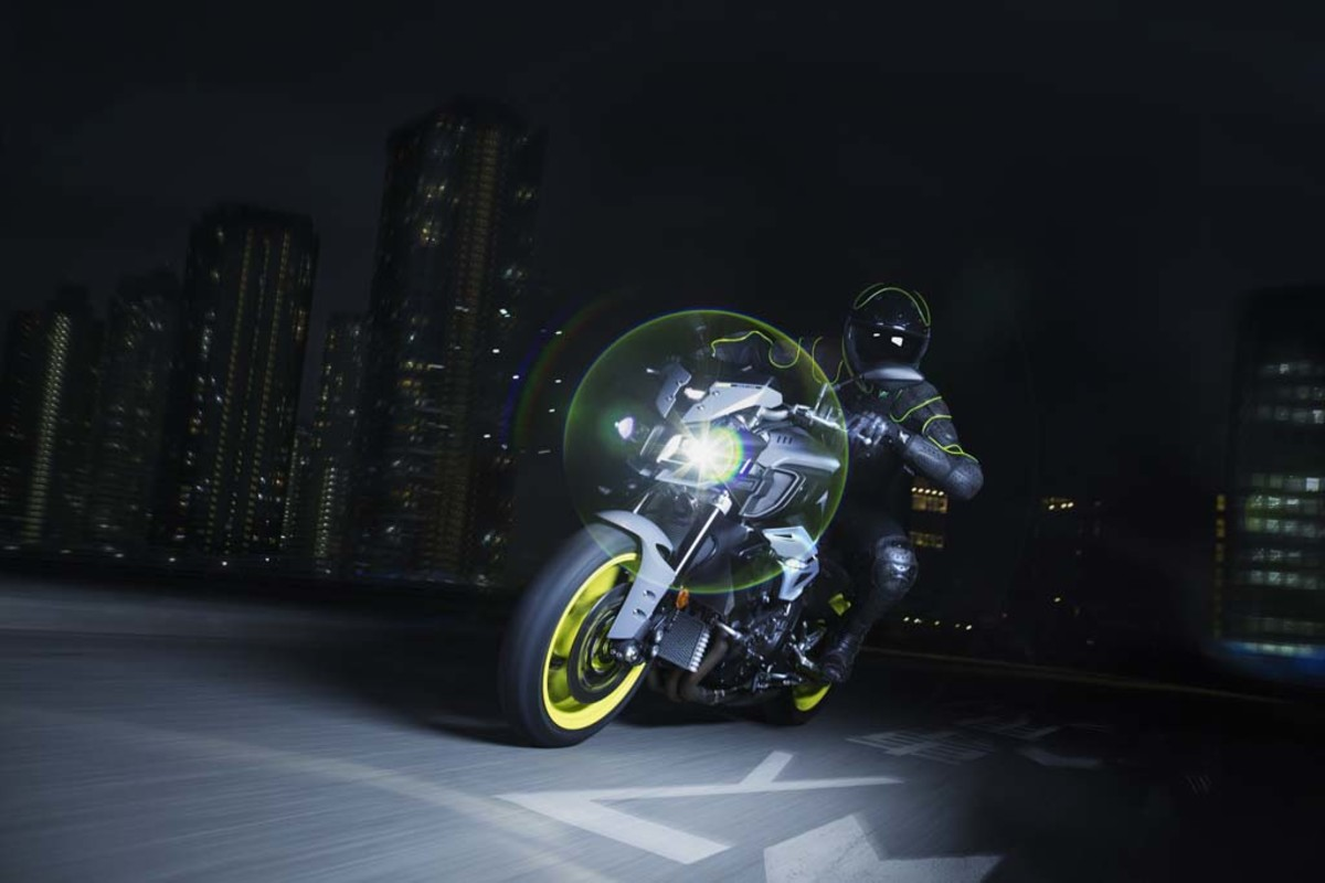 yamaha-mt-10-motorcycle-07
