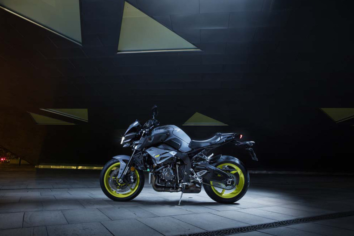 yamaha-mt-10-motorcycle-00
