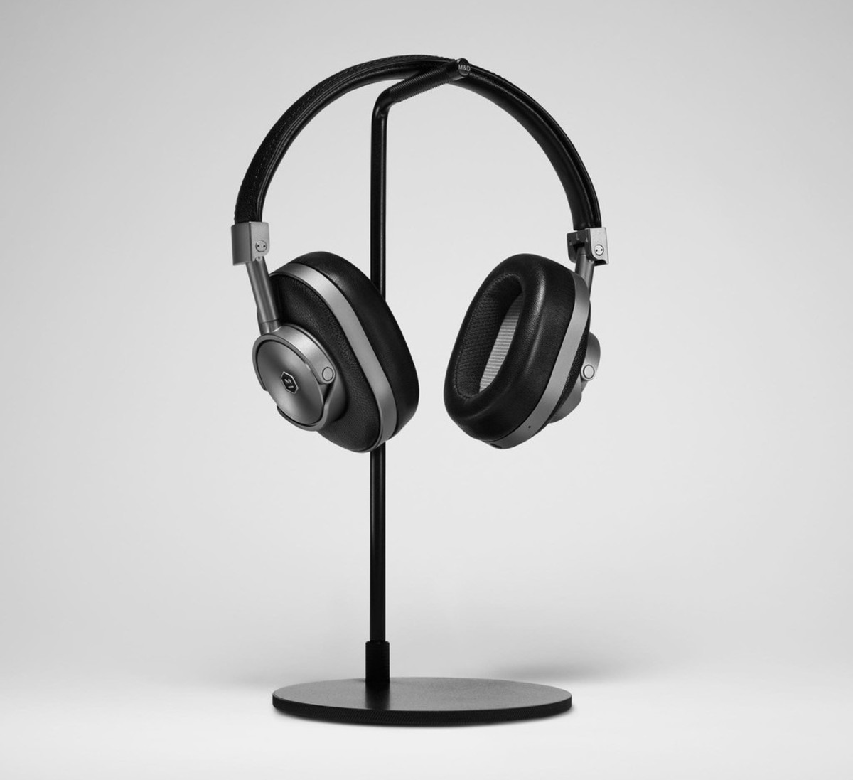 master-and-dynamic-mw60-wireless-headphones-01