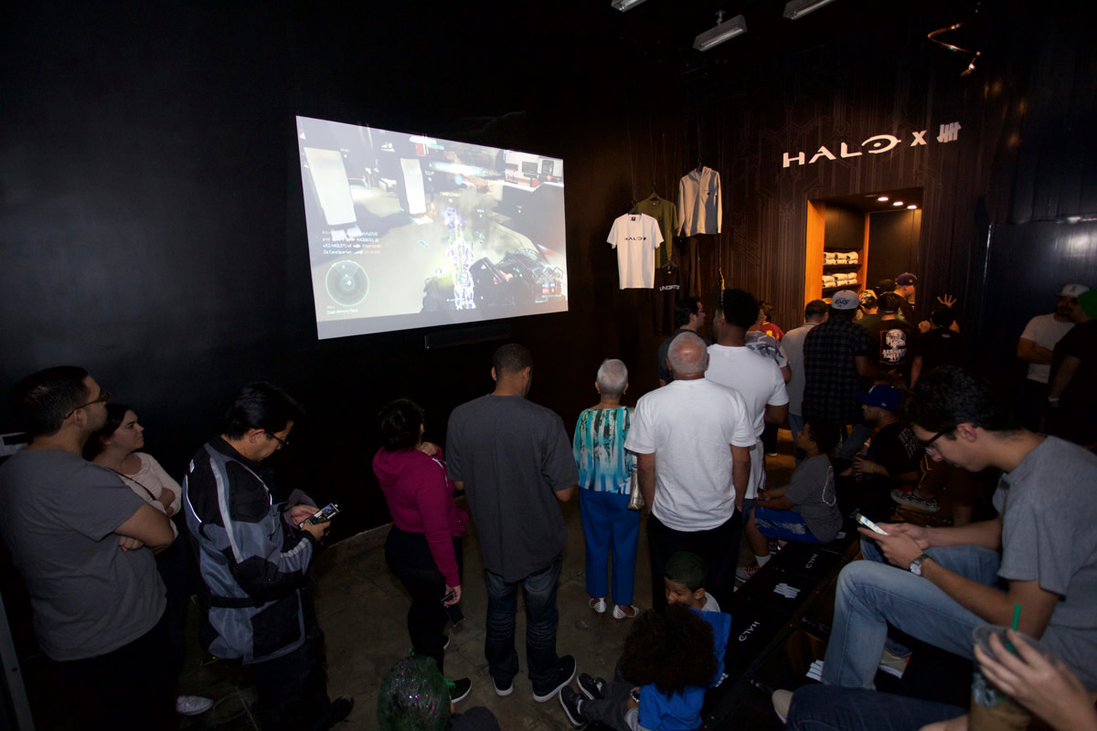 undefeated-halo-5-guardians-pop-up-shop-03