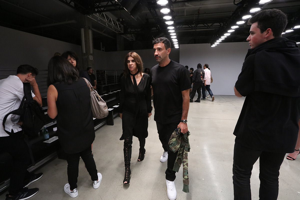 famous-faces-at-yeezy-season-2-show-02