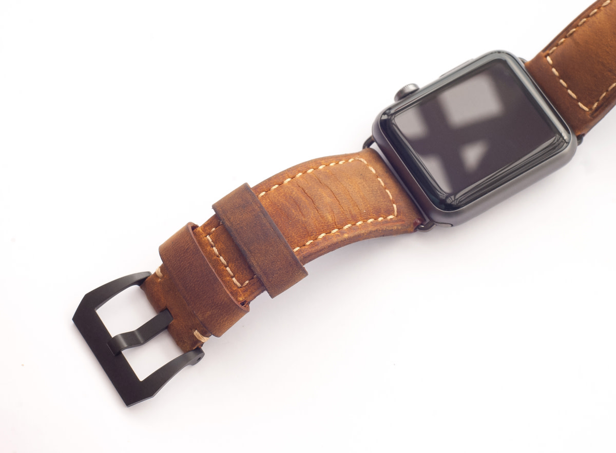 nomad-strap-for-apple-watch-01