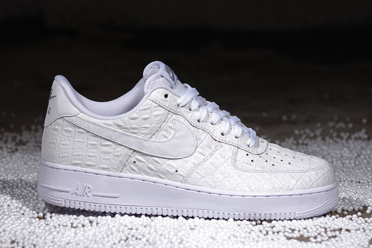 white croc nike air force 1