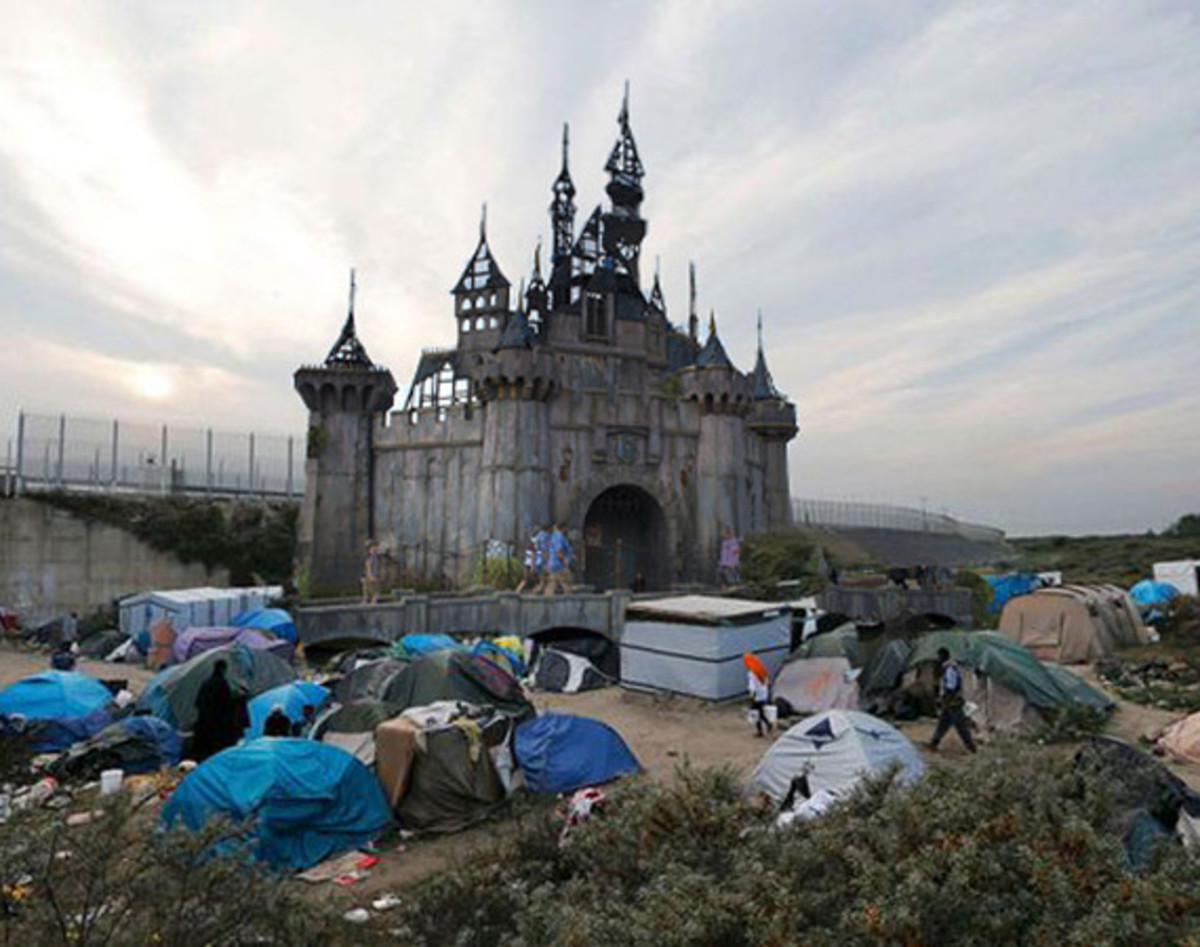 dismaland-to-be-turned-into-refugee-shelters