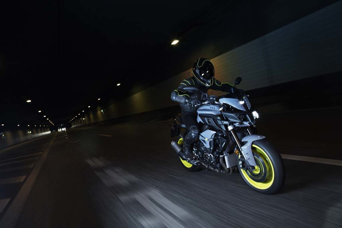 yamaha-mt-10-motorcycle-08