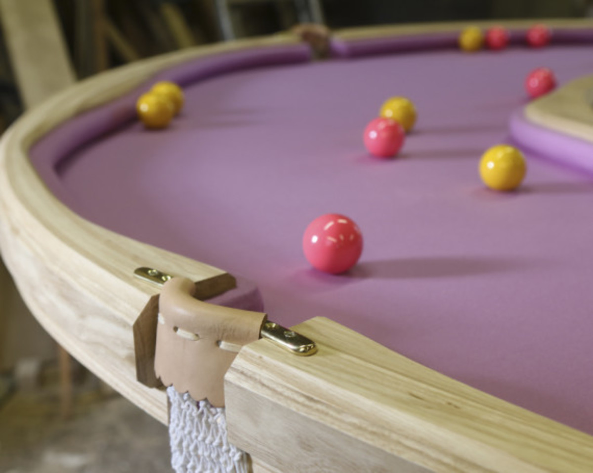 donut-shaped-pool-table-02