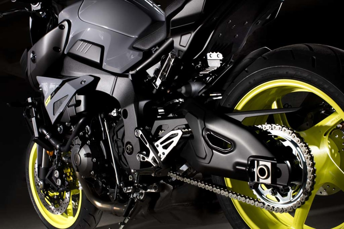 yamaha-mt-10-motorcycle-02