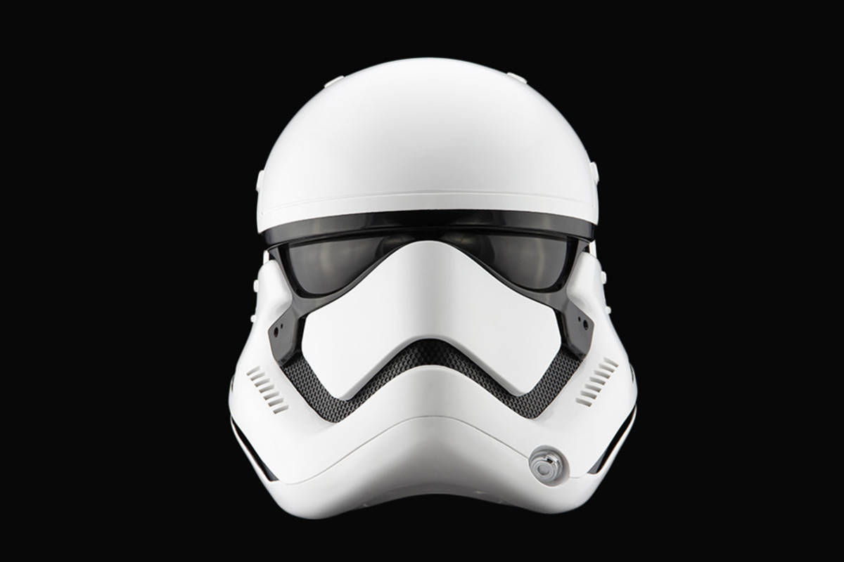 star-wars-the-force-awakens-first-order-stormtrooper-helmet-00