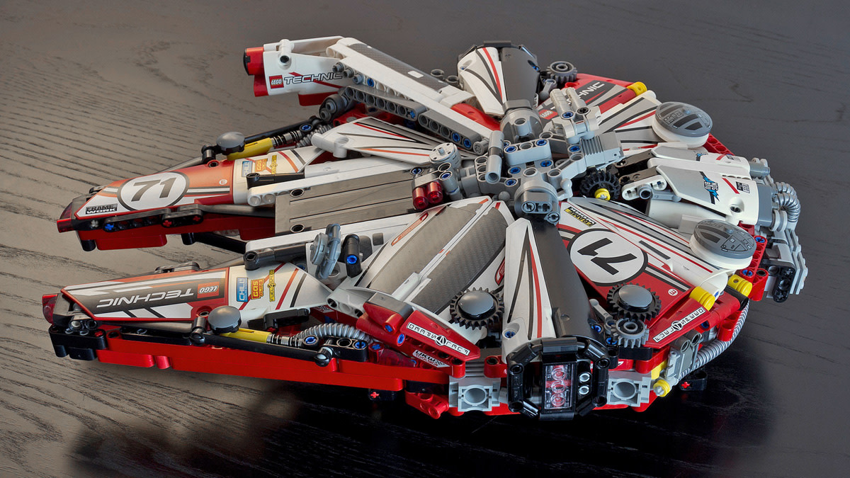 lego-millennium-falcon-racing-livery-01
