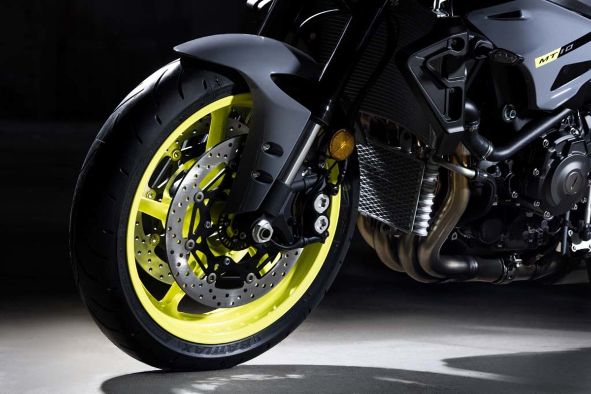 yamaha-mt-10-motorcycle-03
