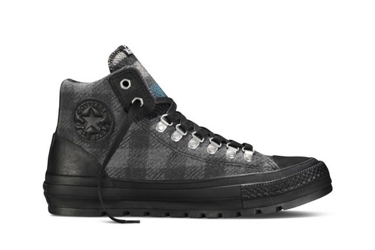 2a8c57702aa6 Two top American brands join forces this Holiday 2015 season to bring  nature-inspired original prints to life across a range of Chuck Taylor All  Star looks.