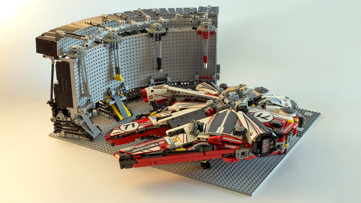 lego-millennium-falcon-racing-livery-03