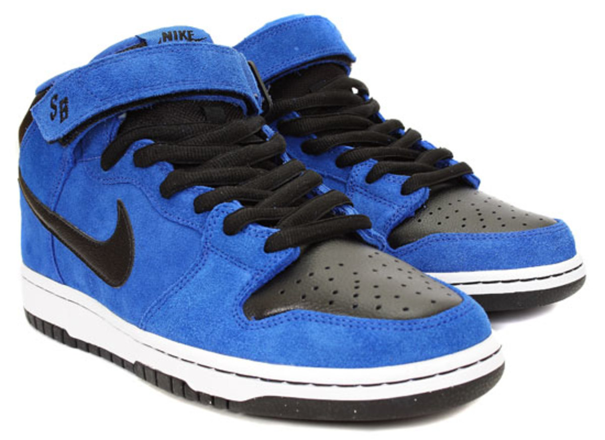 nike-sb-dunk-mid-royal-blue-black-2
