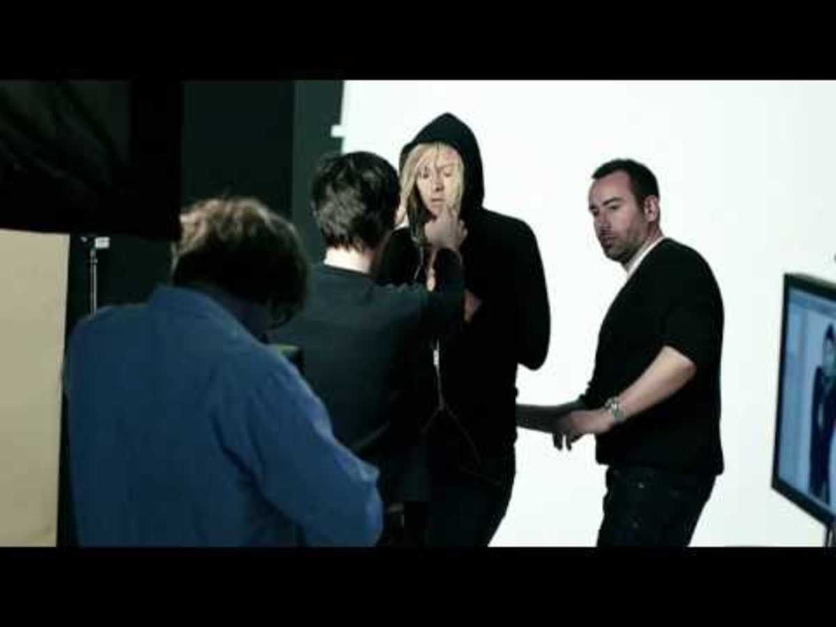 Nike Sportswear x Maria Sharapova   AW77 Hoodie Athlete Style Photo Shoot | Behind the Scene Video