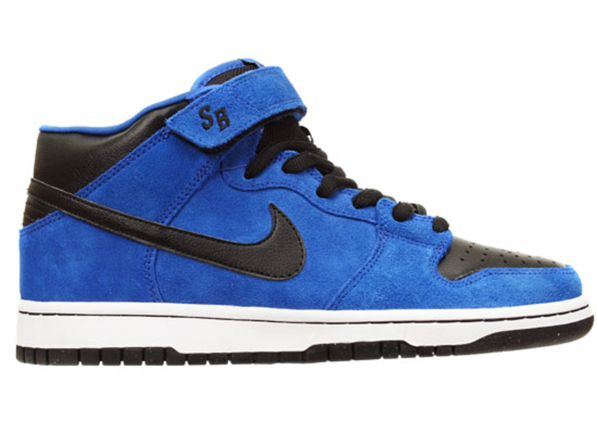 nike-sb-dunk-mid-royal-blue-black-1
