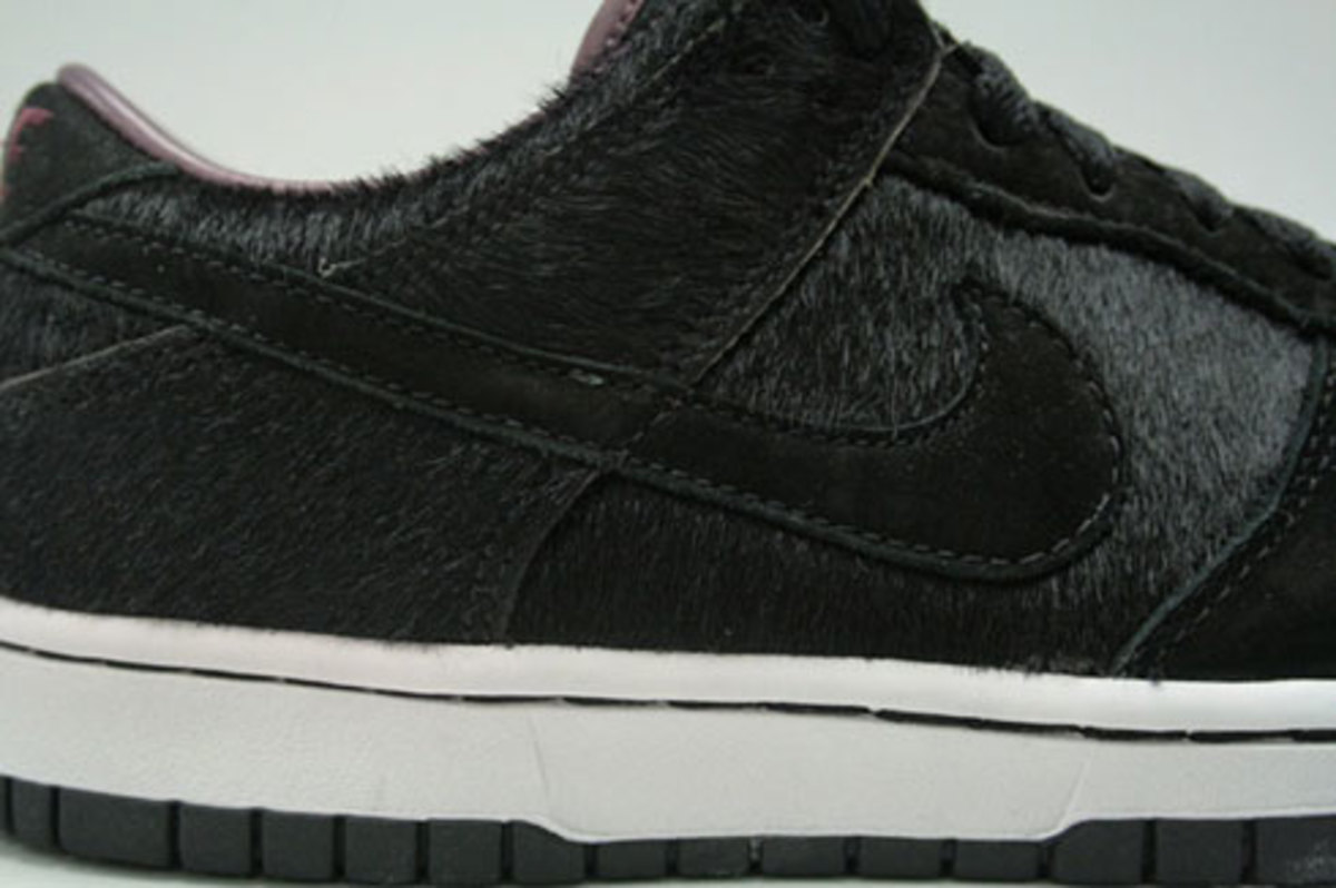 WMNS Dunk Low Premium - Horse Pack - Black - 4