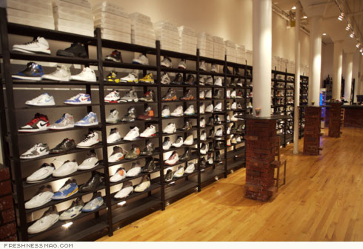 Just Opened: La Pizza Sneaker Shop - Grand St, NYC - 2