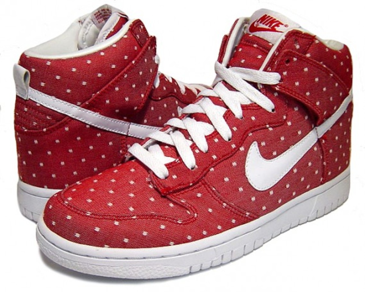 nike-wmns-dunk-high-valentines-day-2010-1