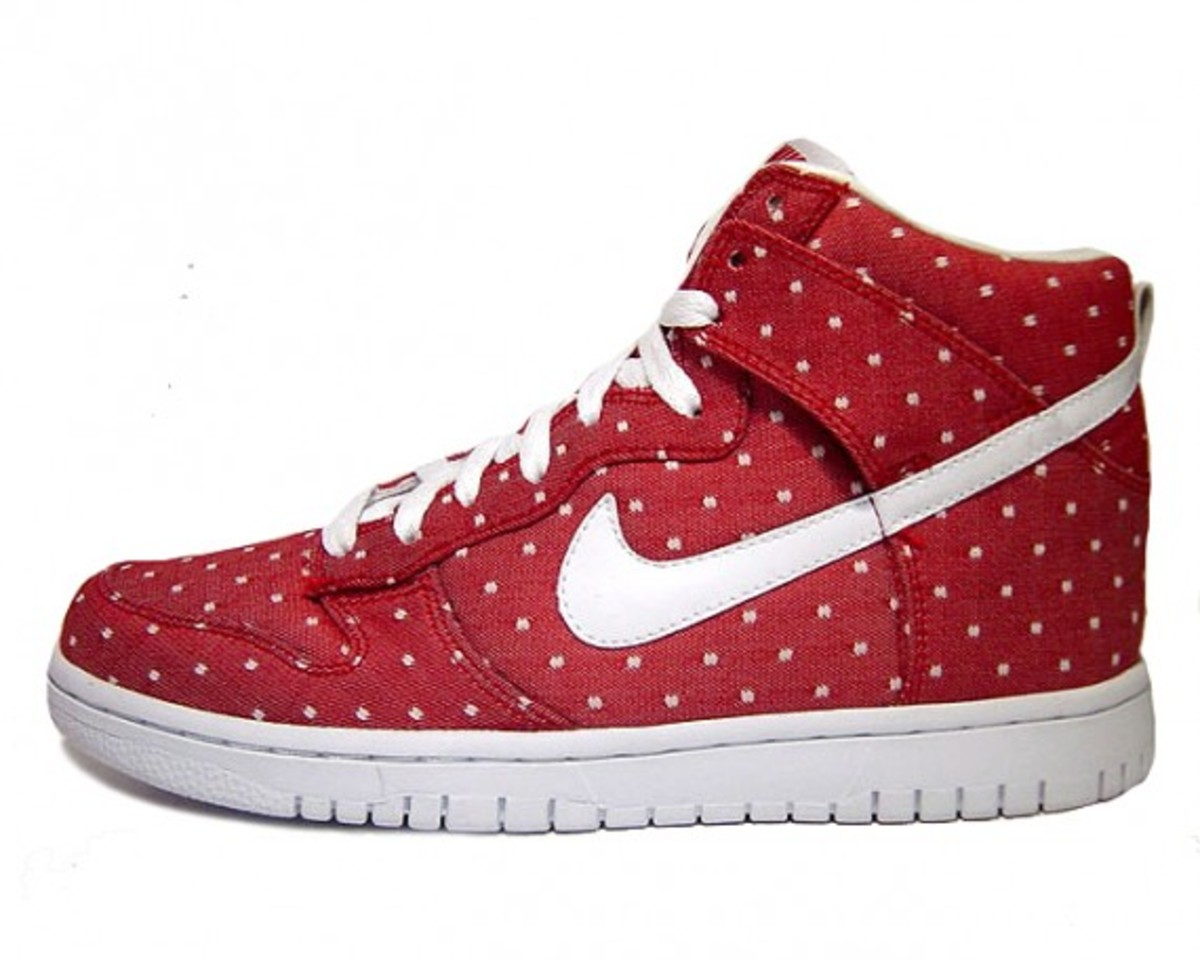 nike-wmns-dunk-high-valentines-day-2010-2