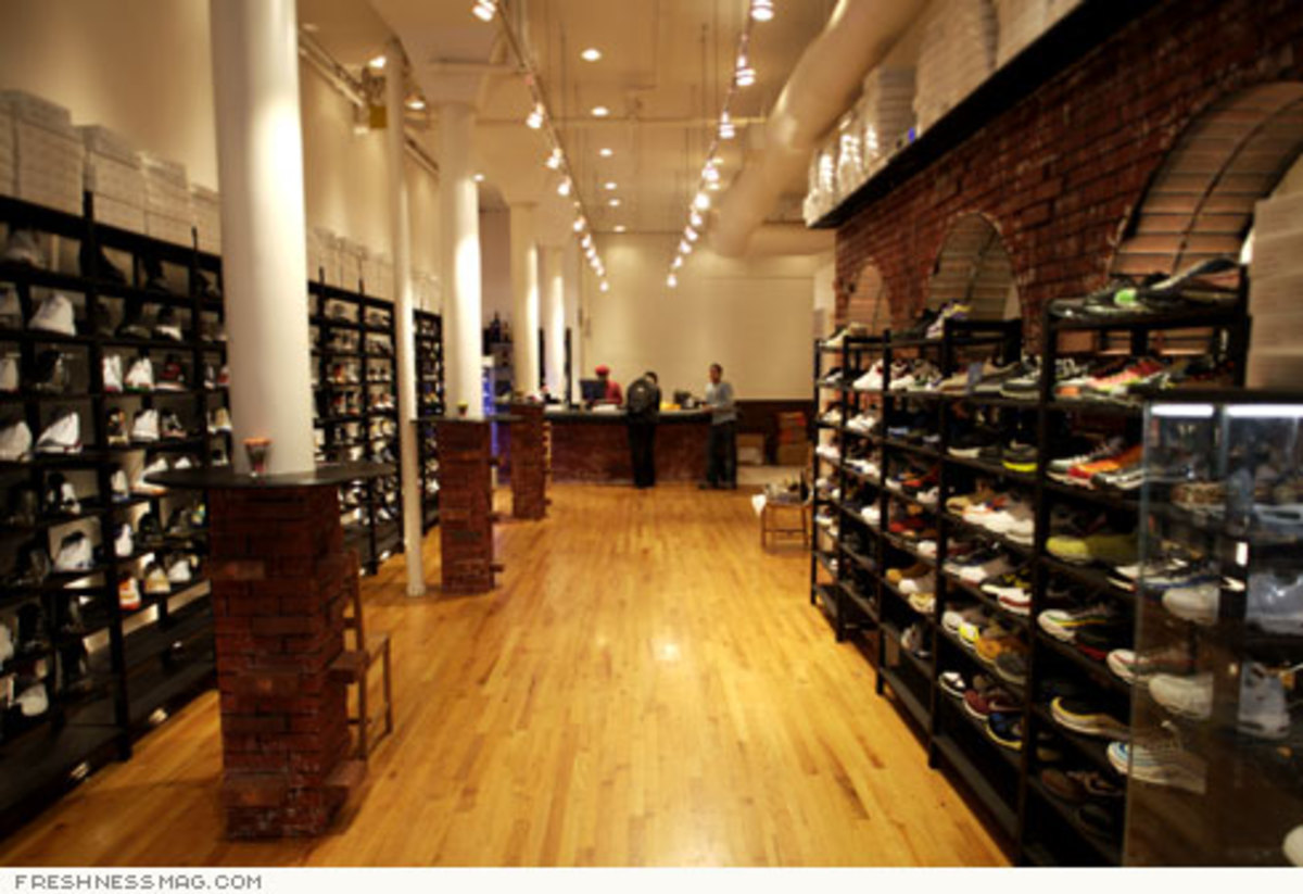 Just Opened: La Pizza Sneaker Shop - Grand St, NYC - 3