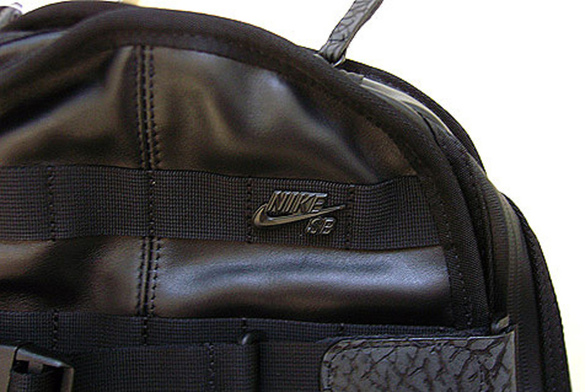 nikesb-quilt-leather-bag-02.jpg