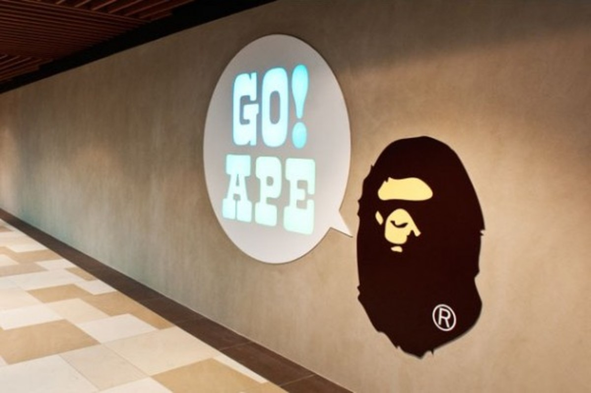 bape-store-singapore-detailed-look-9