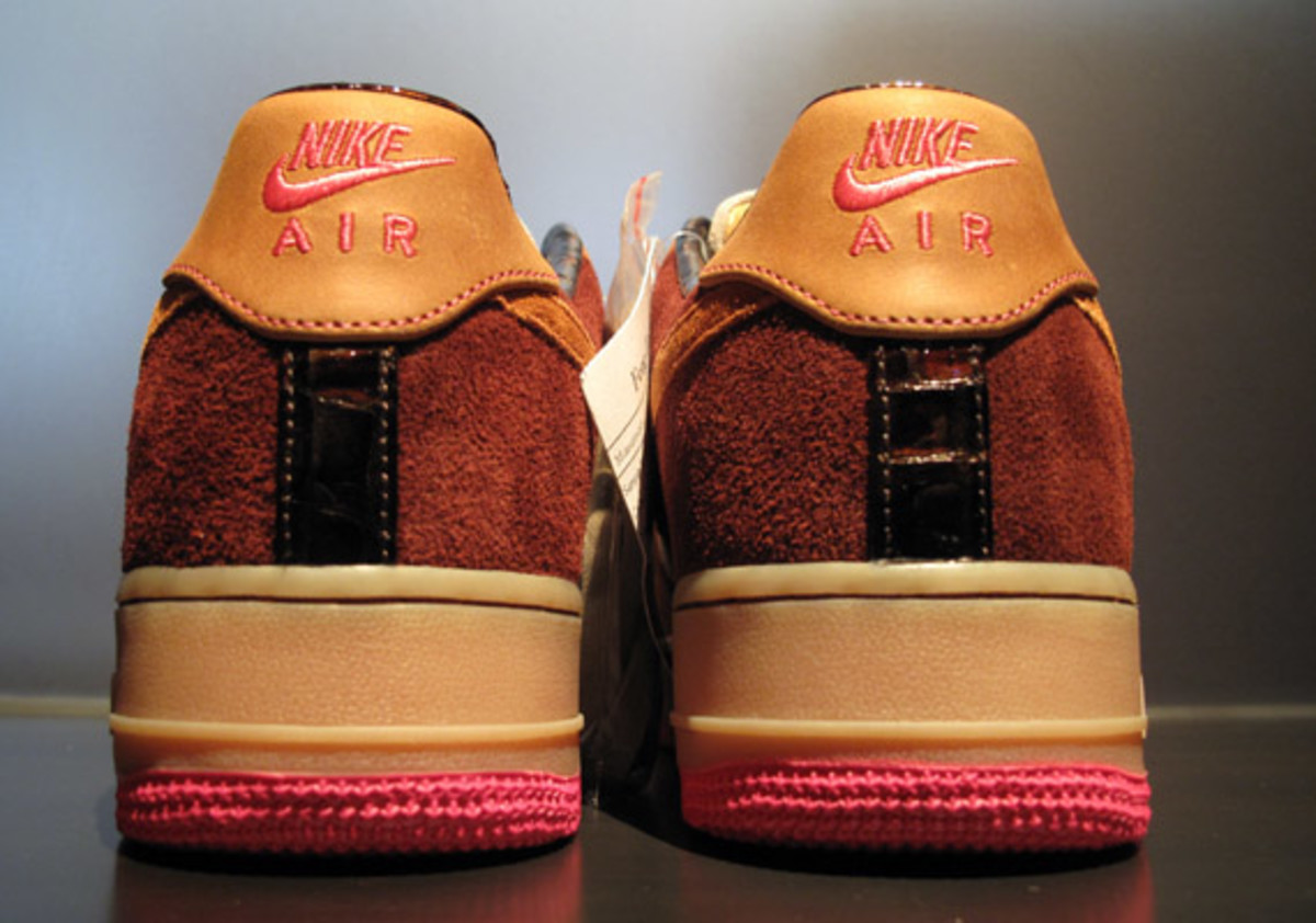 nike-air-force-1-bespoke-by-smiley-3