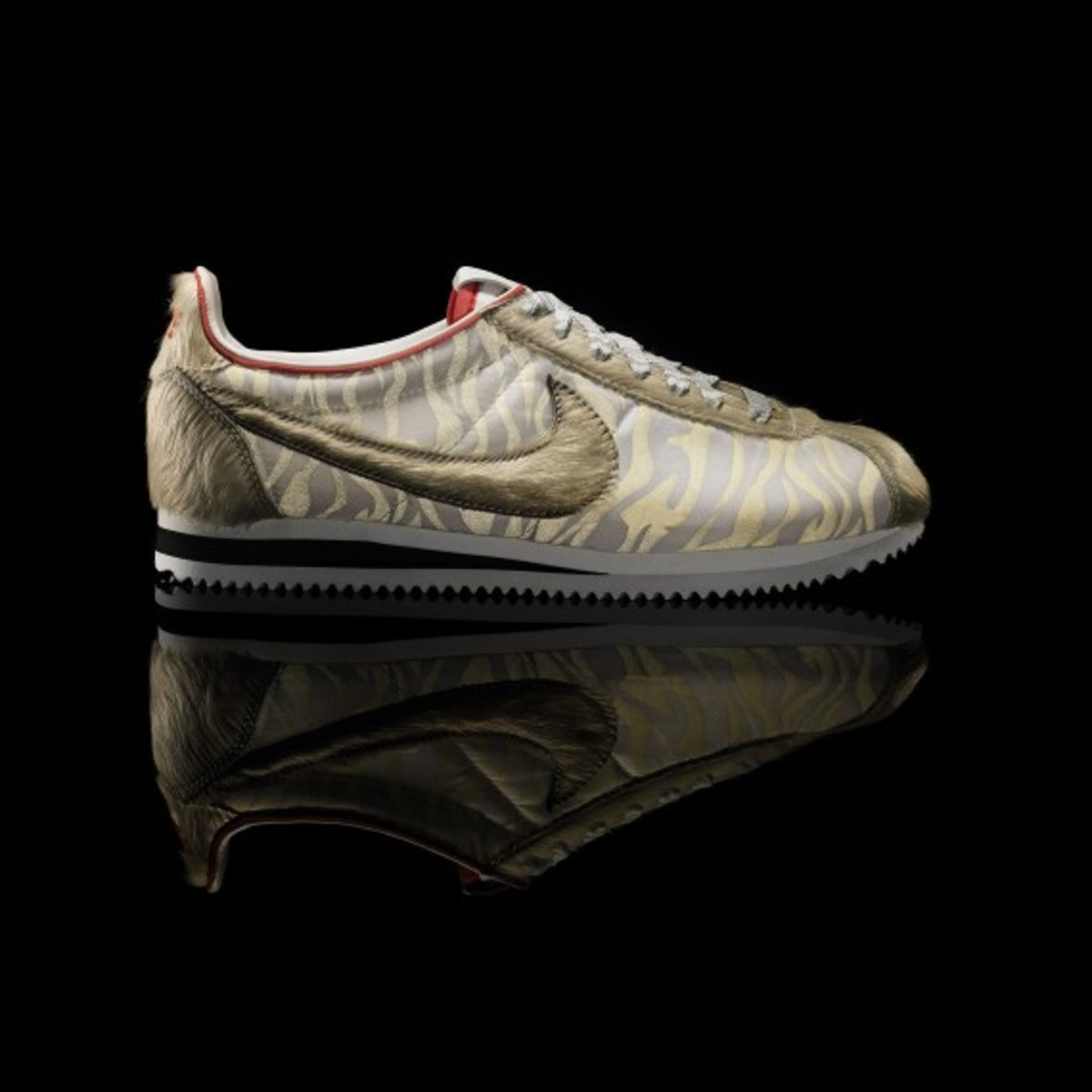 nike_cortez_year_of_the_tiger_01