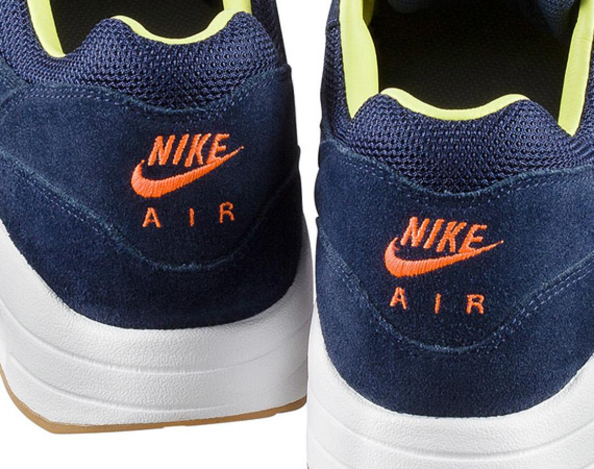 a-p-c-x-nike-air-maxim-1-available-now-15