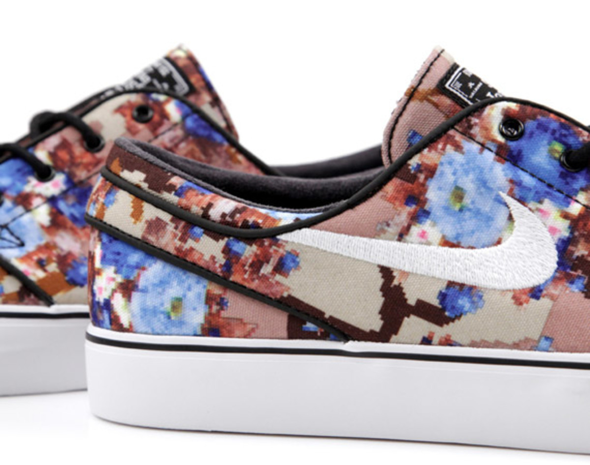 "c894db2e0e0b4 Many jumped on the chance when select retailers offered them as early  releases, but for the majority of us, the Nike SB Stefan Janoski ""Desert/Blue  Digi ..."