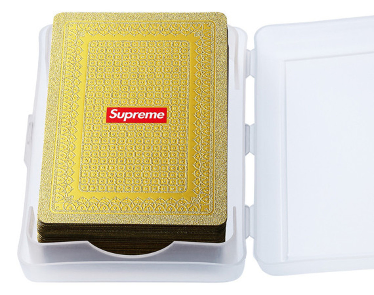 supreme-gold-deck-of-cards-01