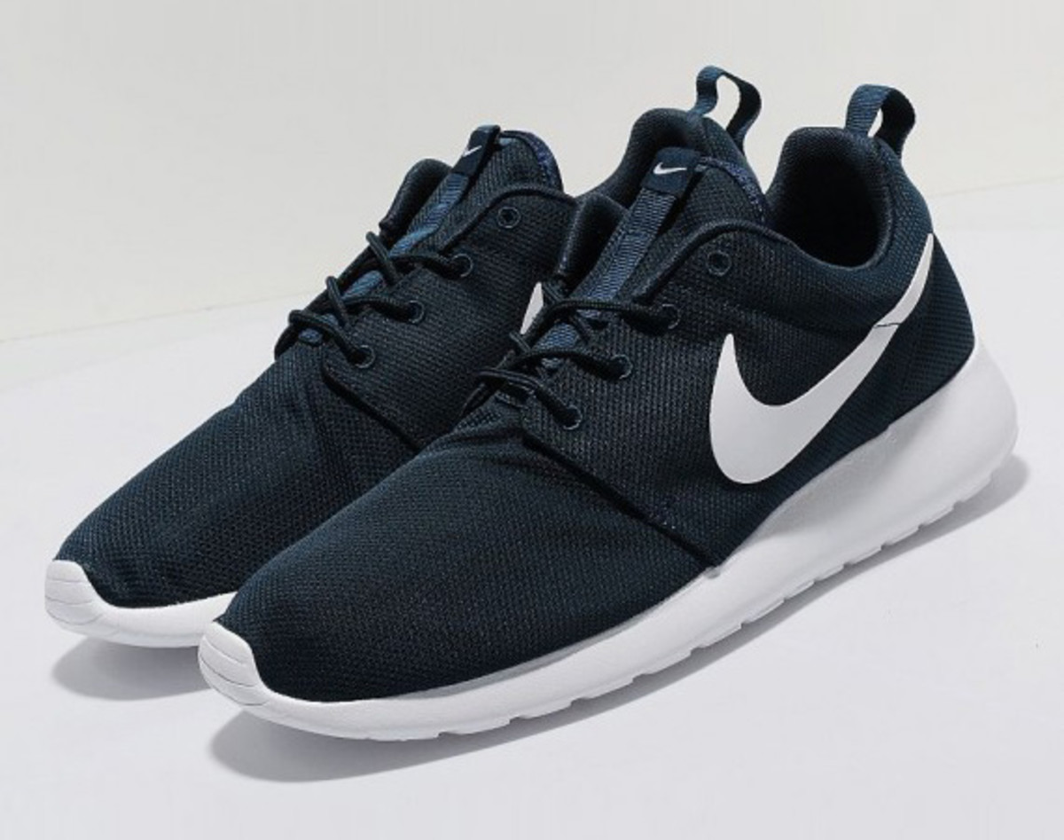 newest 553c8 25aaa Nike Roshe Run enthusiasts who want a change of pace from all the bright  colors, loud print, and general craziness of recent releases can take  solace in ...