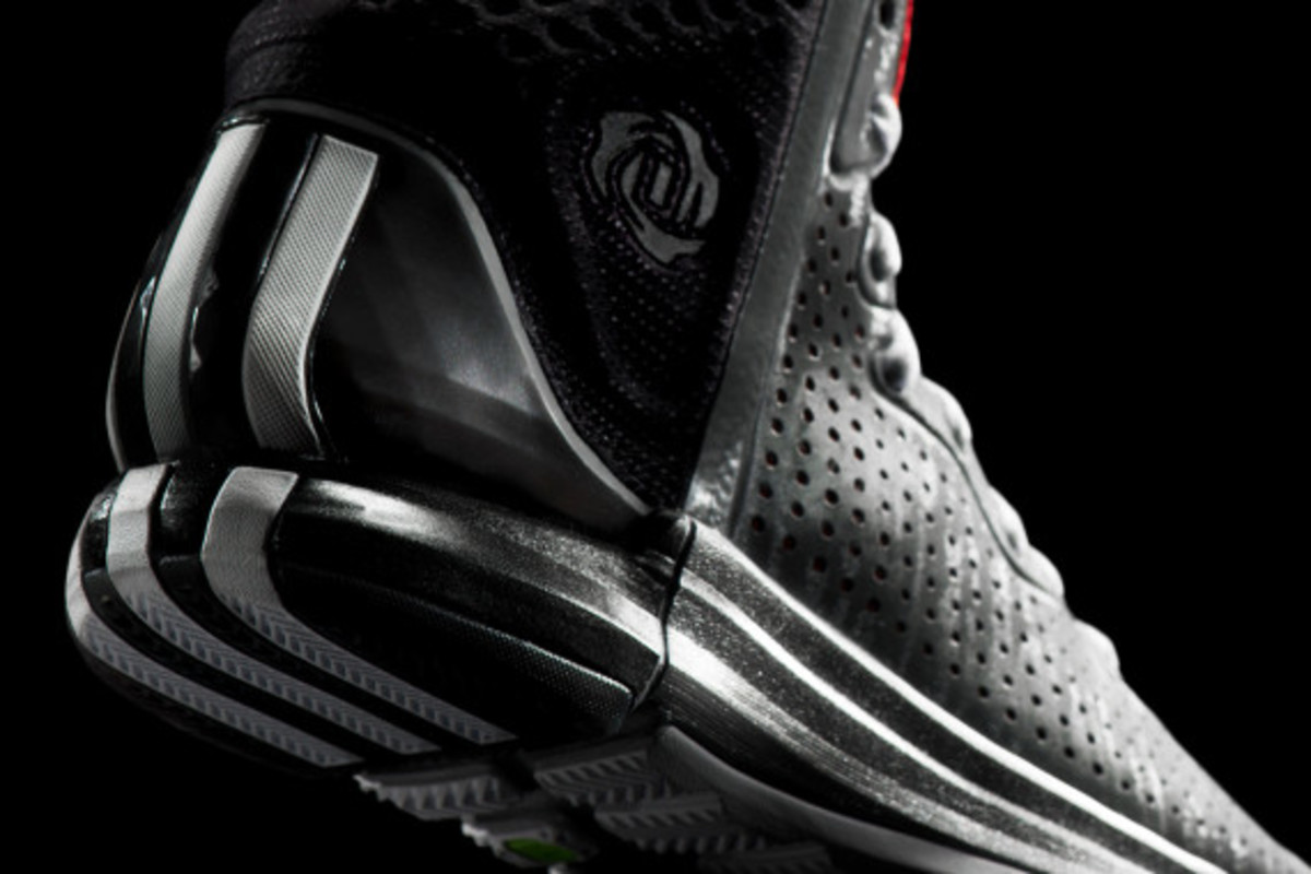 adidas-d-rose-4-and-apparel-collection-unveiled-03