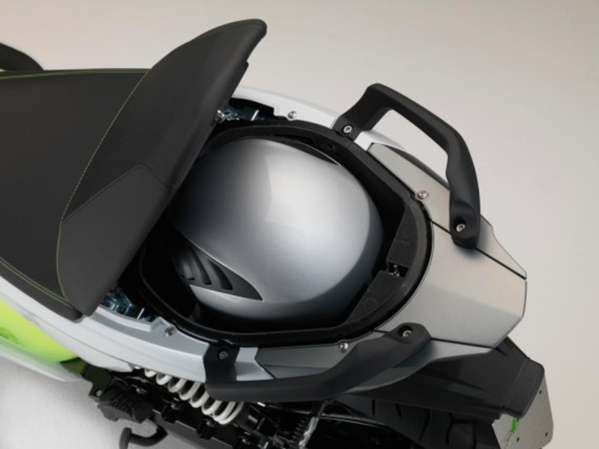 bmw-c-evolution-electric-scooter-16