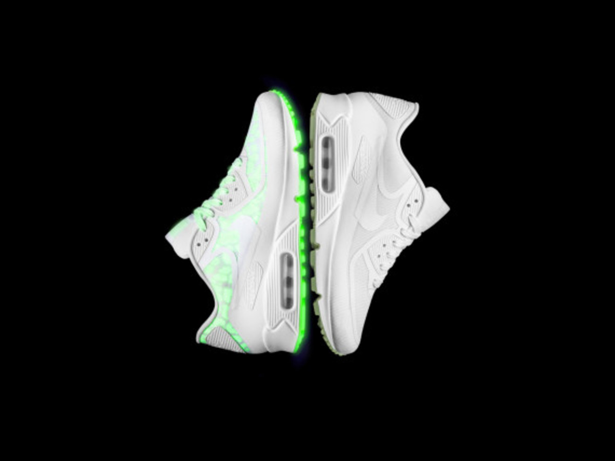 nike-presents-the-air-max-glow-collection-10