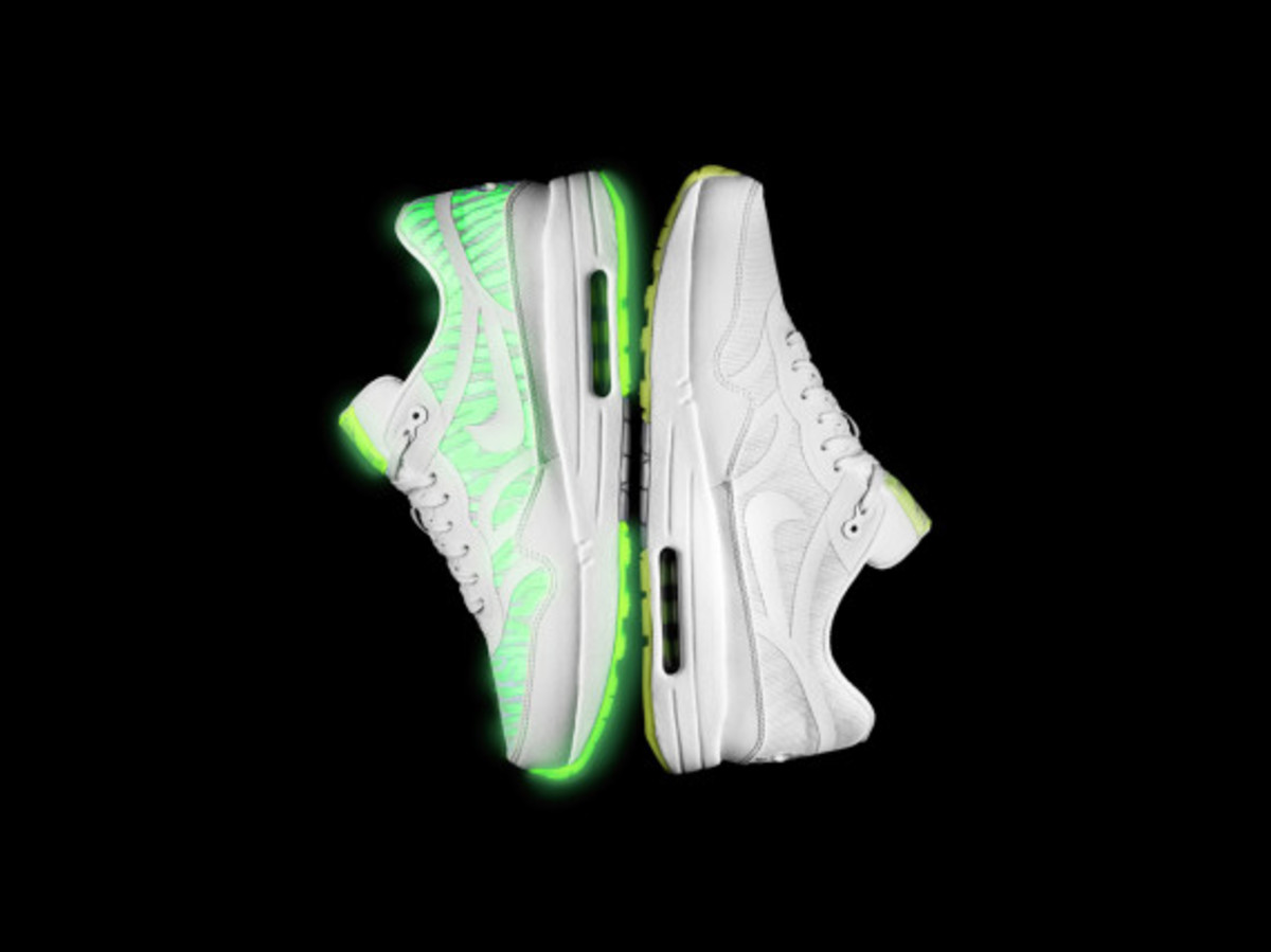 nike-presents-the-air-max-glow-collection-04