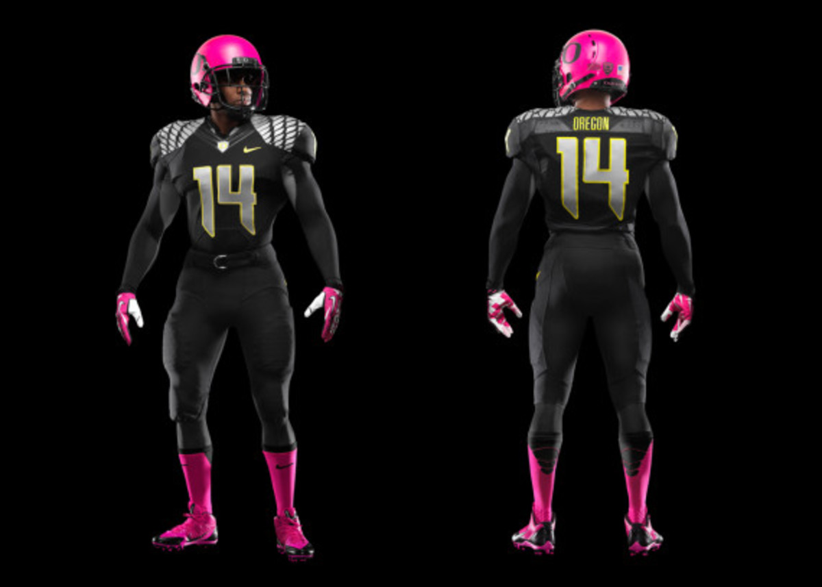 nike-oregon-ducks-football-pays-tribute-to-breast-cancer-awareness-02