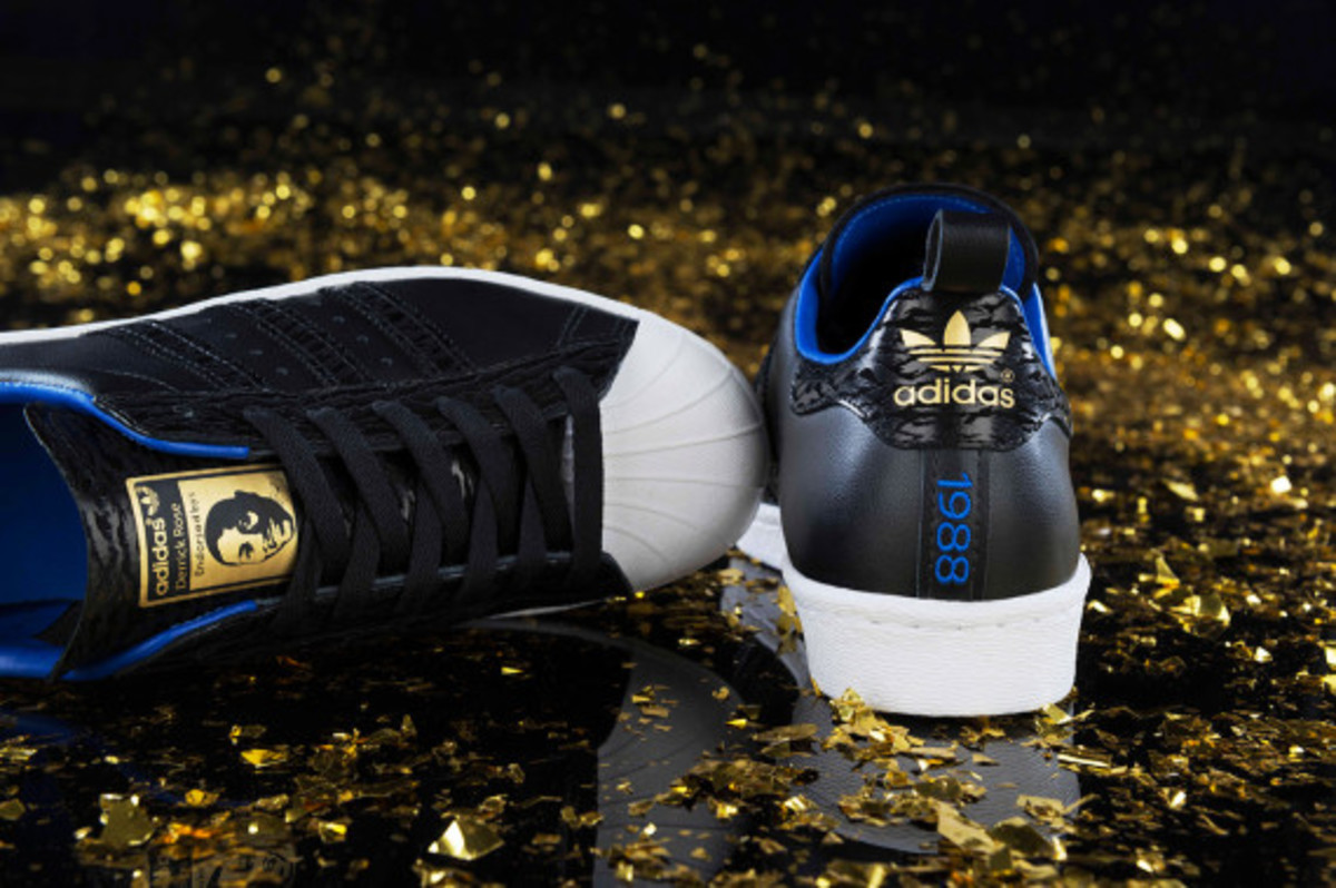 adidas-derrick-rose-25th-birthday-autographed-shoe-giveaway-03
