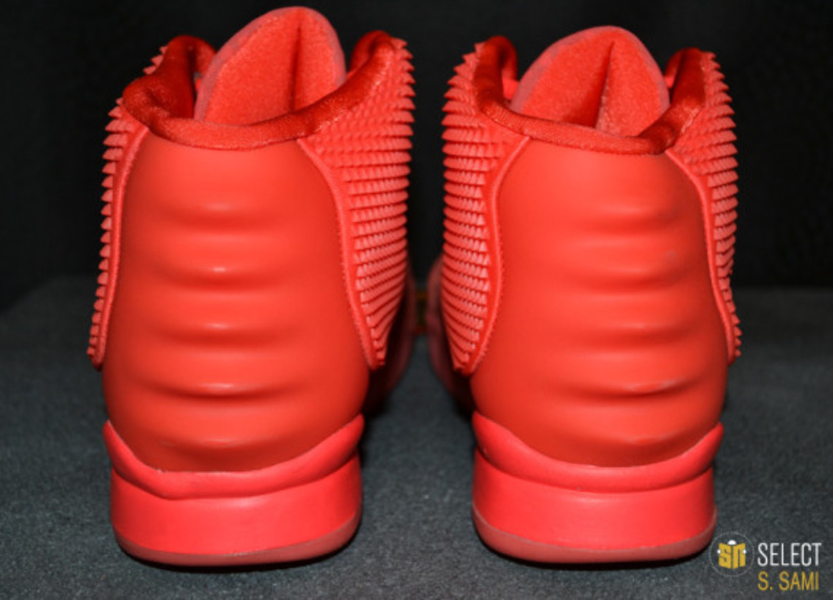 nike-air-yeezy-2-red-october-detailed-look-08