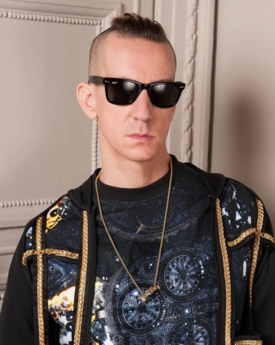 jeremy-scott-named-creative-director-at-moschino-02