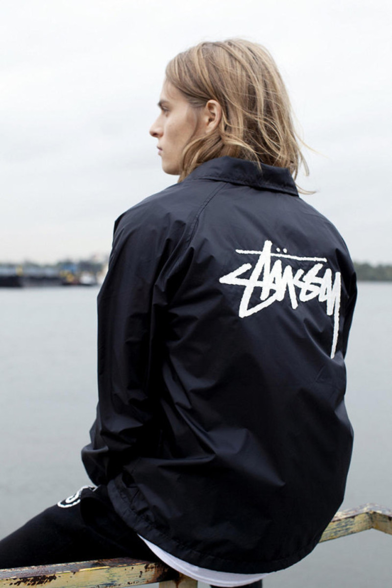stussy-croc-coaches-jacket-urban-outfitters-exclusive-01