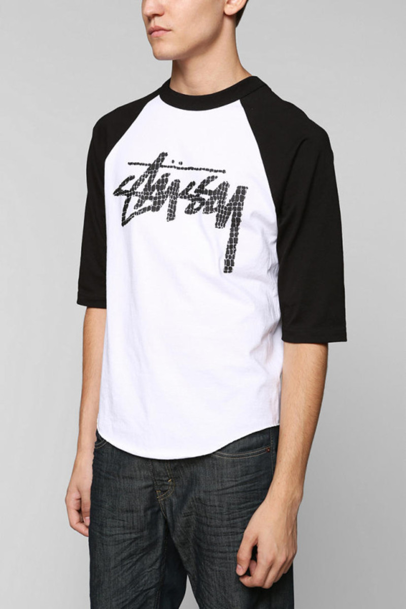 stussy-croc-raglan-tshirt-urban-outfitters-exclusive-02