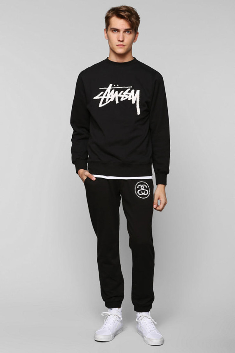 stussy-croc-world-tour-pullover-sweatshirt-urban-outfitters-exclusive-04